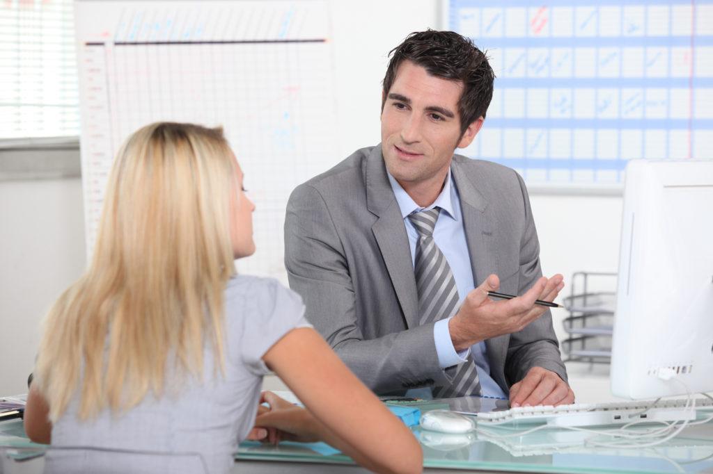 leader giving feedback to employee